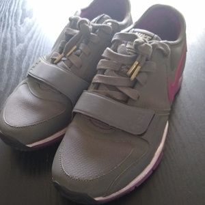 Stylish Nike Purple and Grey Athletic Sneakers